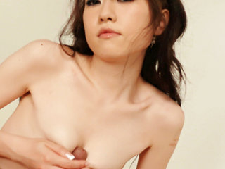 Ryo Kaede plays with her fellows puffies making him  to..